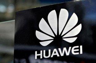 España pide a los empleados de Defensa que no se conecten con equipos de Huawei