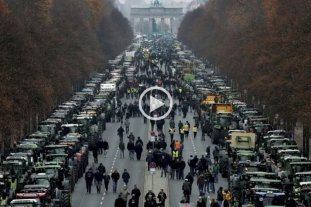 Videos: Masiva protesta de productores en Berlín