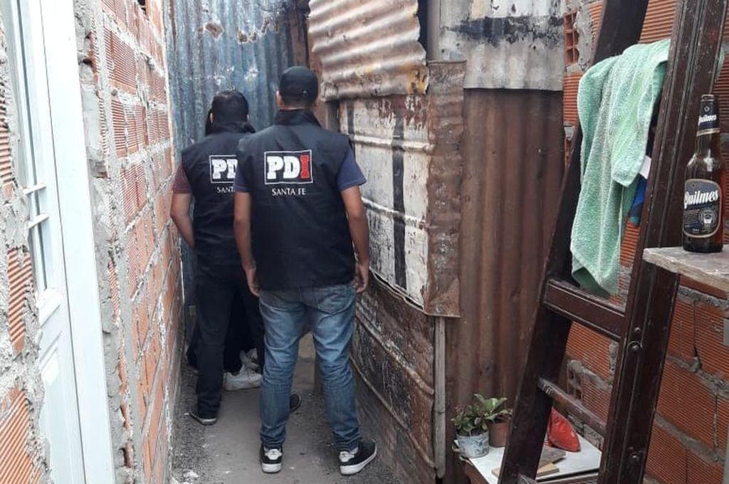 Este lunes, personal de la PDI realizó seis allanamientos en Alto Verde, Recreo, Santa Fe y Cayastá, en los que detuvo a los cinco implicados Crédito: Prensa Seguridad