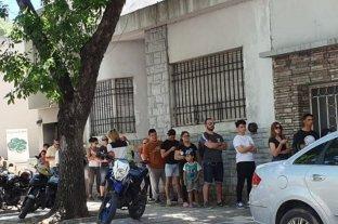 Largas filas en Paraná para recuperar el saldo de la Fiesta de Disfraces