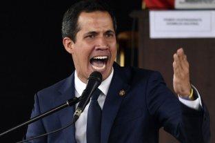 El presidente interino de Venezuela desplazó a un embajador sospechado de conspirar para derrocarlo