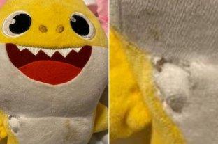 """Un peluche de """"Baby Shark"""" salvó la vida de una niña durante un tiroteo"""