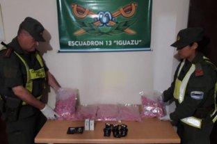 Arrestan a hombre que transportaba más de 16.000 pastillas de éxtasis y anfetamina ocultos en un auto