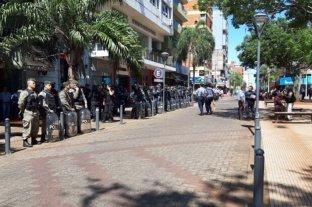 Enfrentamiento entre tareferos y policías en pleno centro posadeño