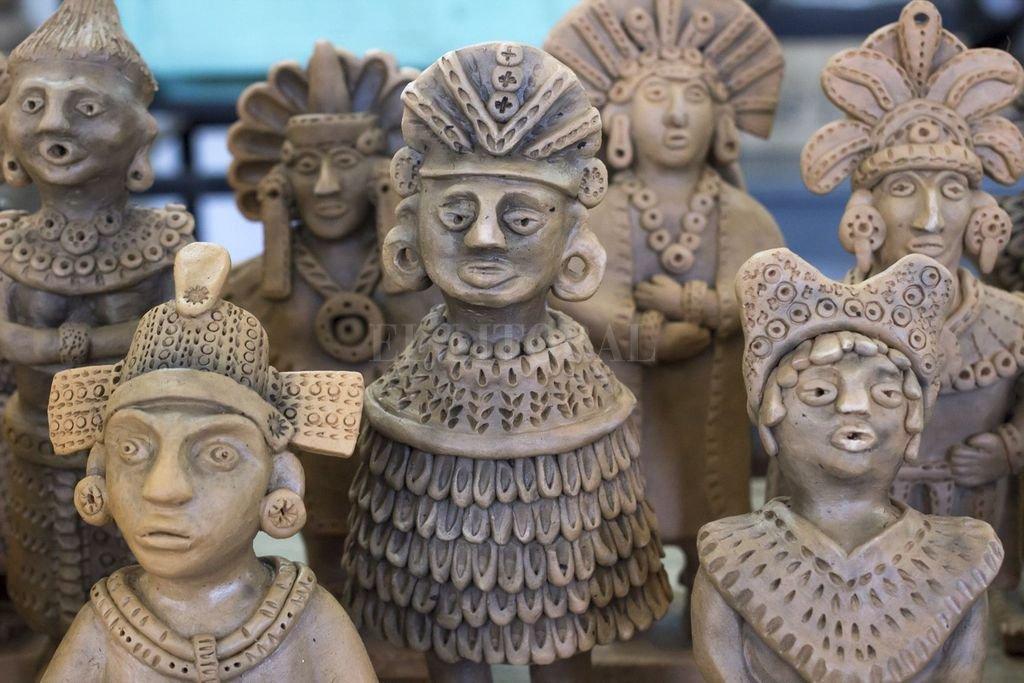 Ceramistas santafesinas trabajan para que cada pieza sea única, recreando figuras inspiradas en la cerámica arqueológica mexicana. Crédito: Gentileza Prensa Municipalidad