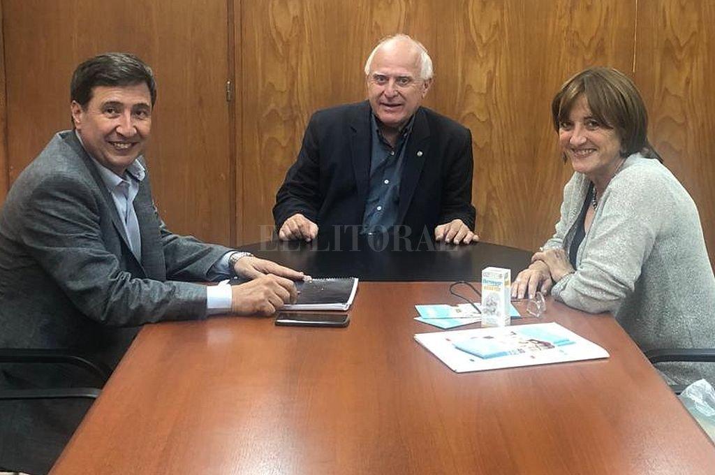 Arroyo, Lifschitz y Ciciliani en la Casa de Santa Fe en Buenos Aires. Crédito: Gentileza