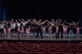 Academia Artístico festeja sus 15 años con un show en el Centro Cultural Provincial