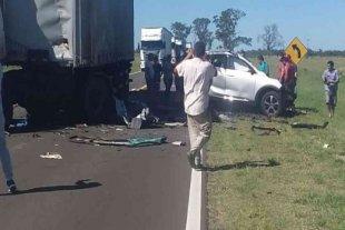 Cuatro integrantes de una familia murieron en un choque frontal en Corrientes