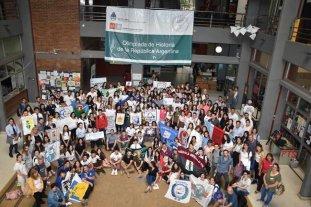 """Estudiantes argentinos le dijeron """"sí, a la  Historia"""", en una propuesta íntegramente santafesina"""