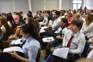 Rostros jóvenes con discursos de adultos