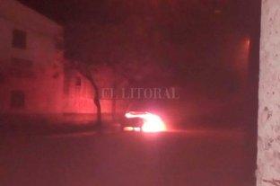 Se investiga el incendio de un auto en el oeste de la ciudad