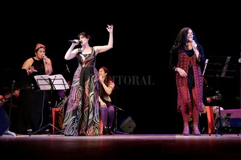 Böck, Eletti, Bertolino y Suñé, cuatro de las protagonistas del espectáculo. <strong>Foto:</strong> Gentileza Verónica Villot