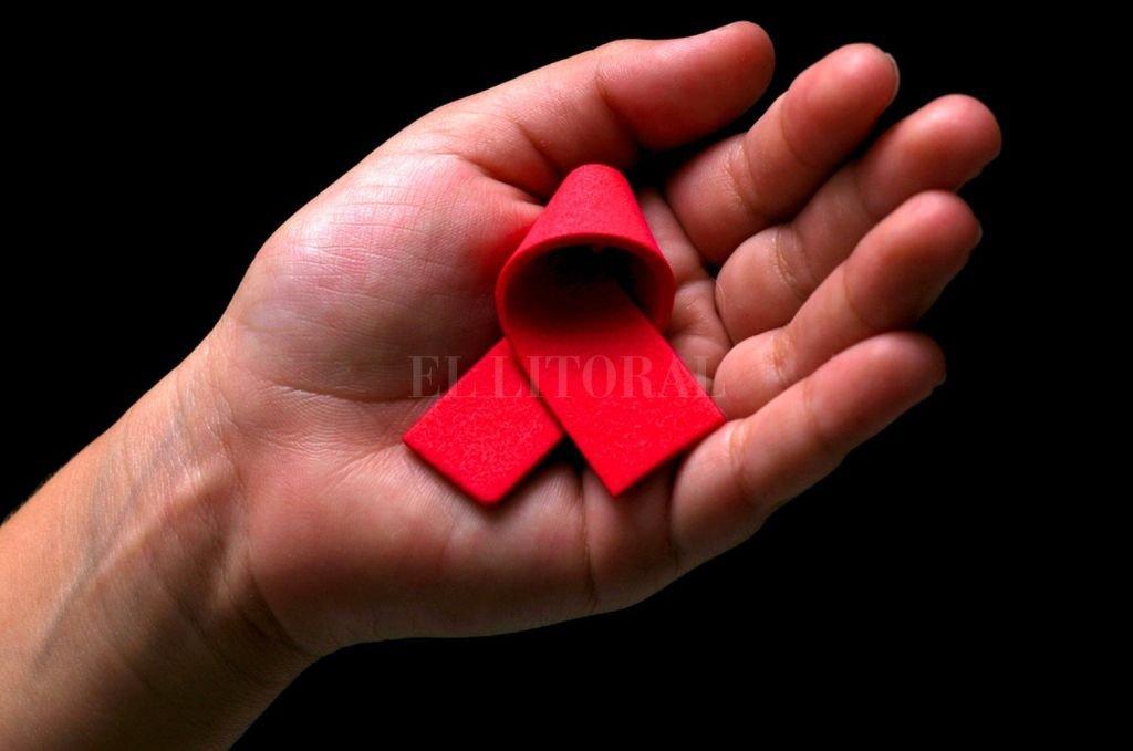 Lazo Rojo. El símbolo de la lucha contra el VIH. Crédito: Archivo