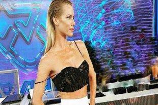"""En muletas, Nicole Neumann reemplazó a Pampita en el jurado del """"Bailando"""""""