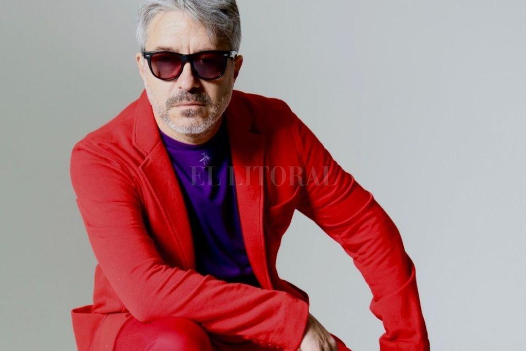 """""""Cuando se escucha el disco, me parece muy cantable y emocional"""", afirma Manuel Moretti sobre """"Las lunas"""". <strong>Foto:</strong> Gentileza Andy Cherniavsky"""