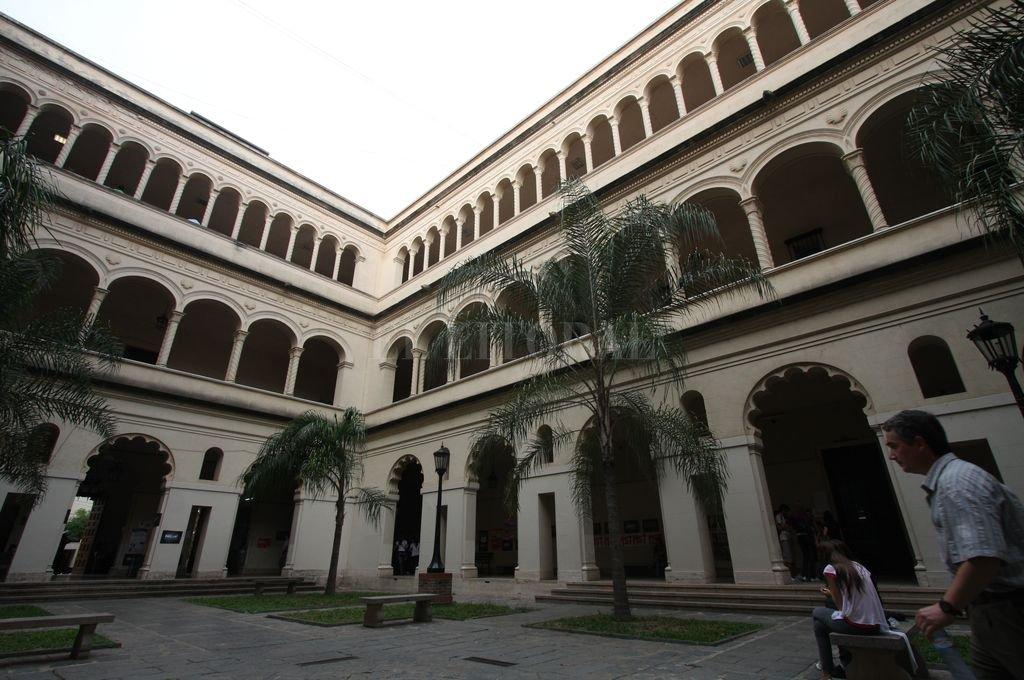 La Facultad de Ciencias Jurídicas y Sociales de la UNL festejó los 100 años. <strong>Foto:</strong> Mauricio Garín