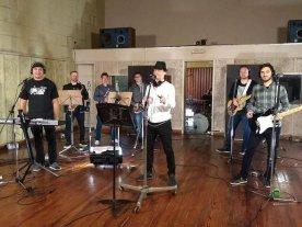 """DK Blues presenta """"Cara de Póker"""" - La banda estrenará uno de los videoclips filmados en los Estudios Ion de Buenos Aires. -"""