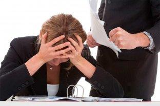 Violencia laboral: mayoría de víctimas mujeres, menor rango y poca antigüedad en el empleo