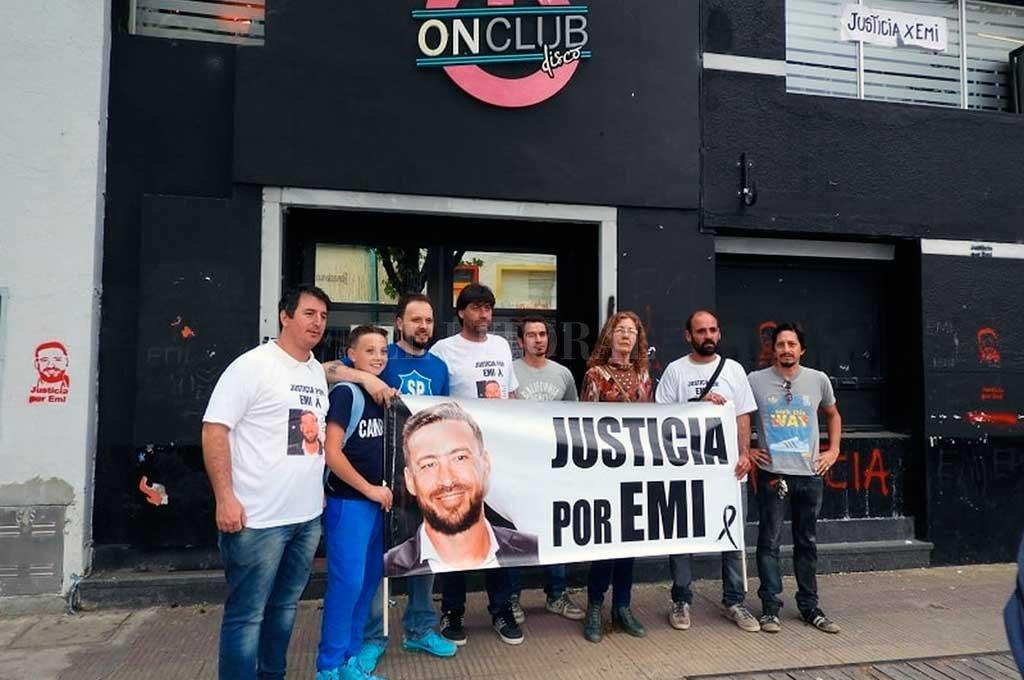 Familiares y amigos de Emiliano realizaron numerosas marchas en la ciudad de Gálvez para reclamar justicia. Crédito: Archivo El Litoral