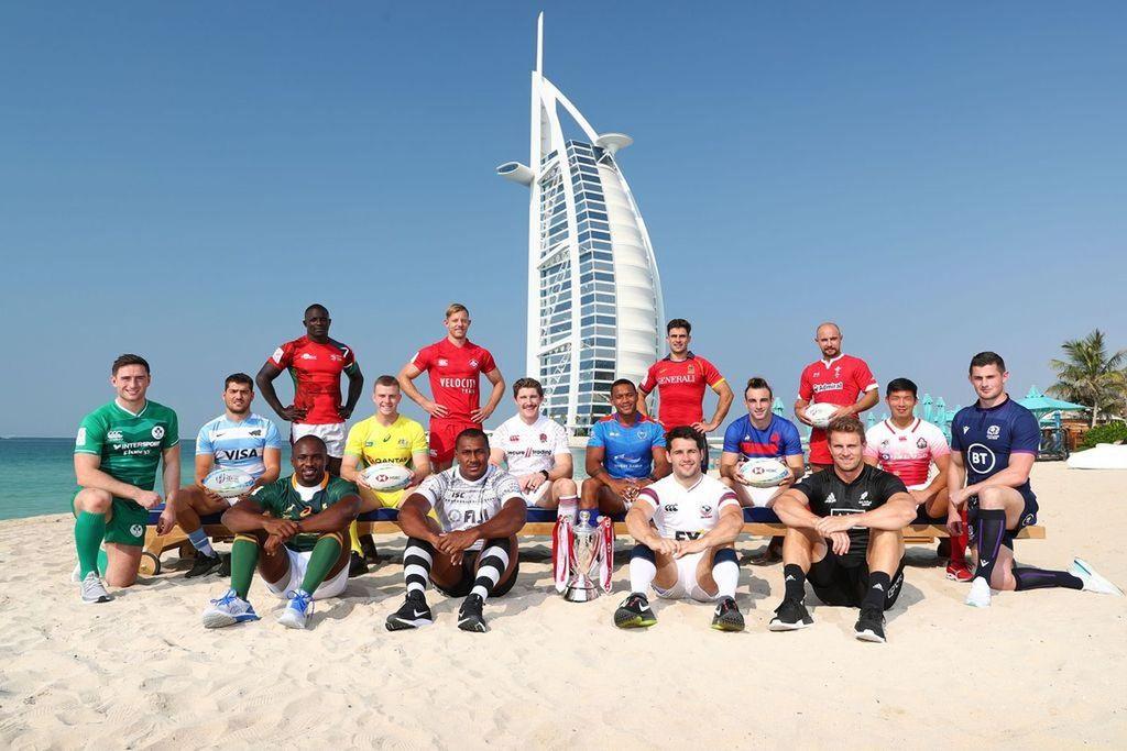 Los capitanes, en la playa de Dubai, en la tradicional foto de presentación del certamen. Darán vida al primero de los diez capítulos que contendrá la presente versión del atrayente circuito universal. <strong>Foto:</strong> gentileza WR