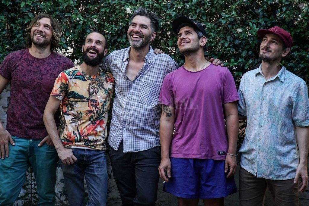 Iñaki Chemes, Lisandro Francucci, Lemy Quintana, Andrés Olivo y Esteban Galíndez. Crédito: Gentileza Baltasar Albrecht