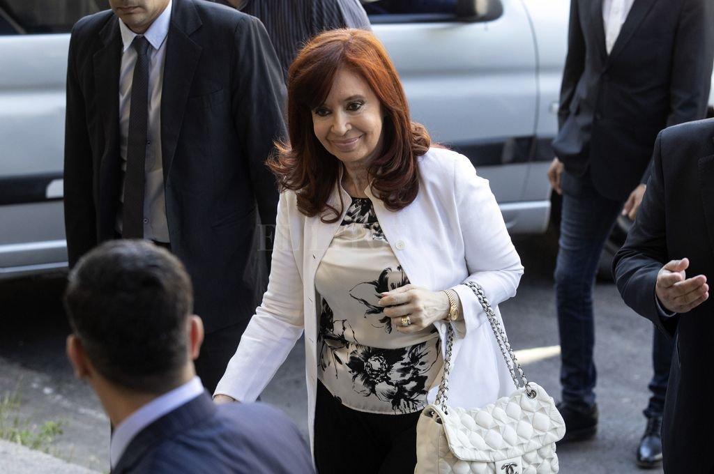 Cristina Fernández entra a los Tribunales de Comodoro Py  Crédito: Archivo