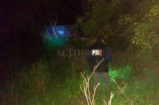 """El salvaje crimen de """"Tamba"""" - Personal policial inspecciona el descampado donde fue hallado el cuerpo de Candotti"""