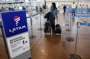 Paro de aeronáuticos afecta a los vuelos de LATAM - Imagen ilustrativa. -
