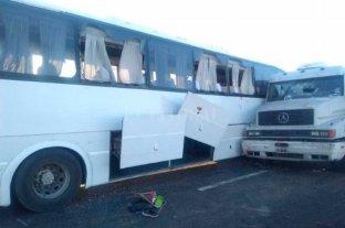 Coordinador del grupo del micro siniestrado dijo que el chofer del camión se quedó dormido