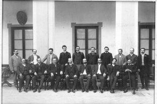 Sobre centenarios y universidades