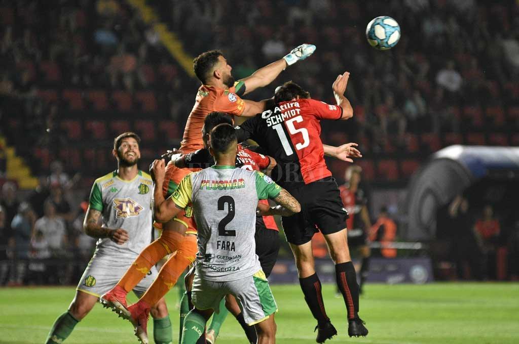 Colón volvió a perder y se complica. <strong>Foto:</strong> Pablo Aguirre