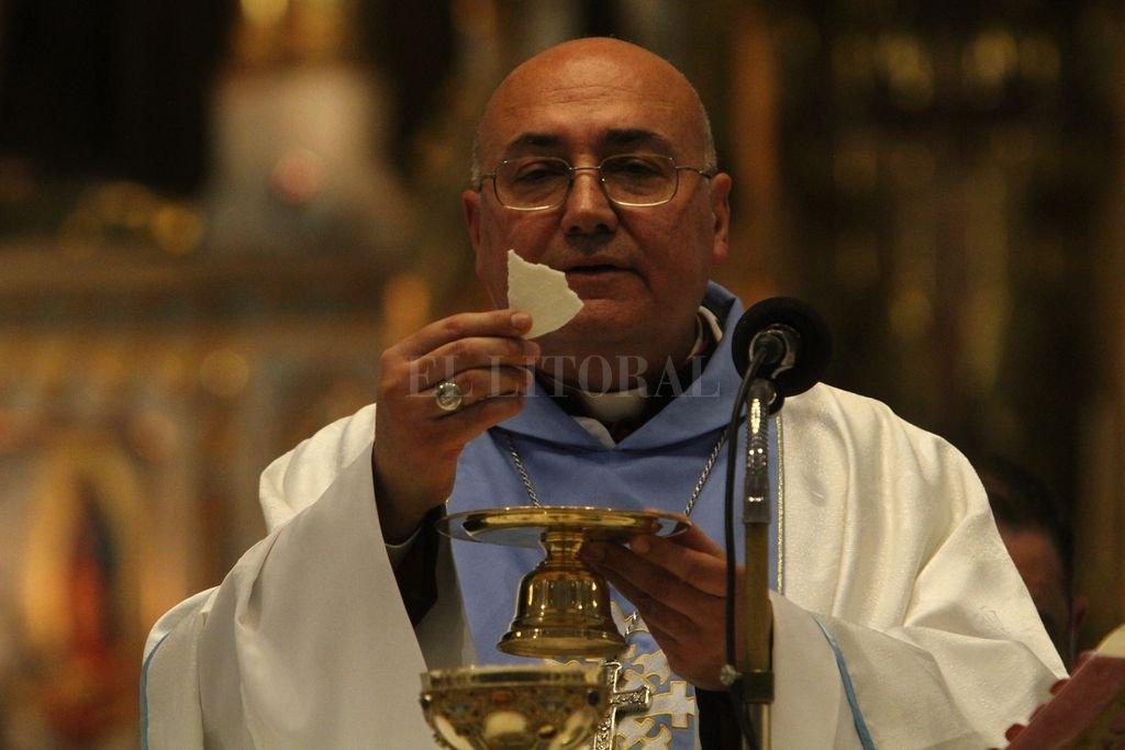 El arzobispo de Santa Fe, monseñor Sergio Fenoy. <strong>Foto:</strong> Archivo El Litoral / Mauricio Garín