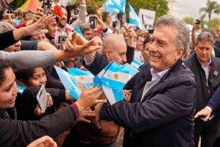 """Macri encabeza su marcha de despedida """"Más juntos que nunca"""" en Plaza de Mayo"""