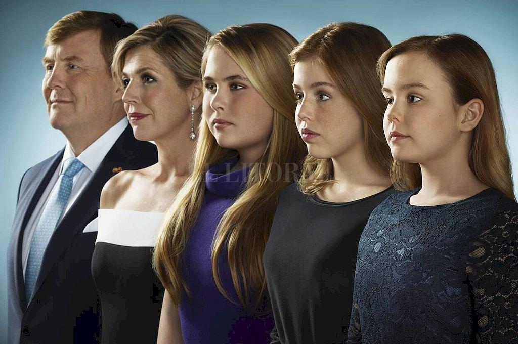 Guillermo de Los Países Bajos, la reina consorte, Catalina de Los Países Bajos y las princesas Alexia y Ariadna Crédito: Cara Real