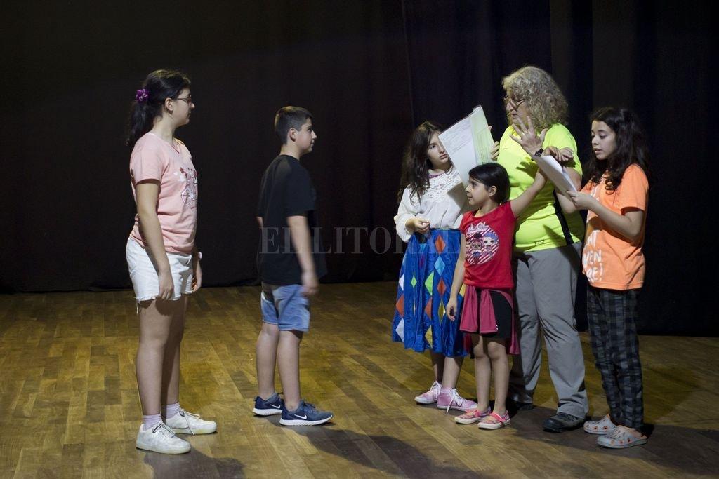 Taller de teatro para niñas y niños, a cargo de Marisa Oroño.  Crédito: Prensa Gobierno de la Ciudad