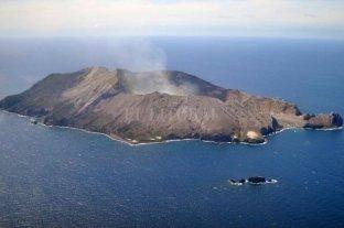 Erupciona un volcán en Nueva Zelanda y hay al menos cinco muertos