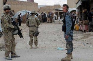 Mueren cerca de 20 policías y militares en dos atentados en el sur de Afganistán