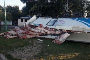Volcó un camión con 12 toneladas de carne