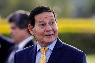 Tras idas y vueltas, Bolsonaro envía al vicepresidente a la asunción de Fernández