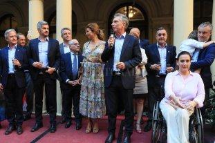 """Macri se despidió del personal de la Casa Rosada y dijo que """"nadie puede arreglar todo solo"""""""