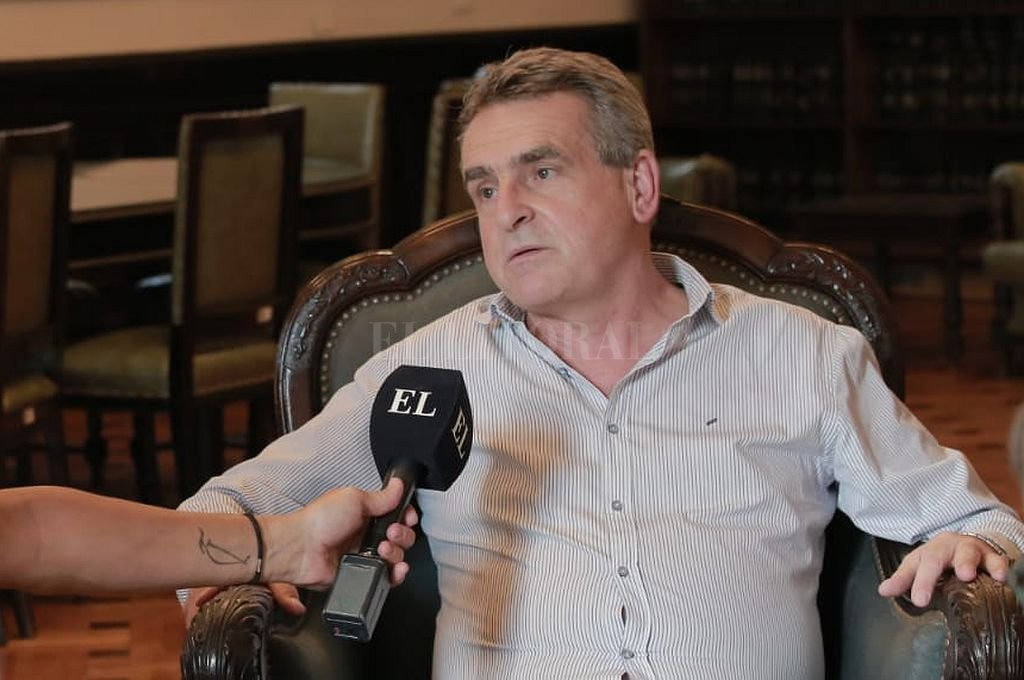 Agustín Rossi con El Litoral. Crédito: Crédito Vicky Campana - Prensa Rossi