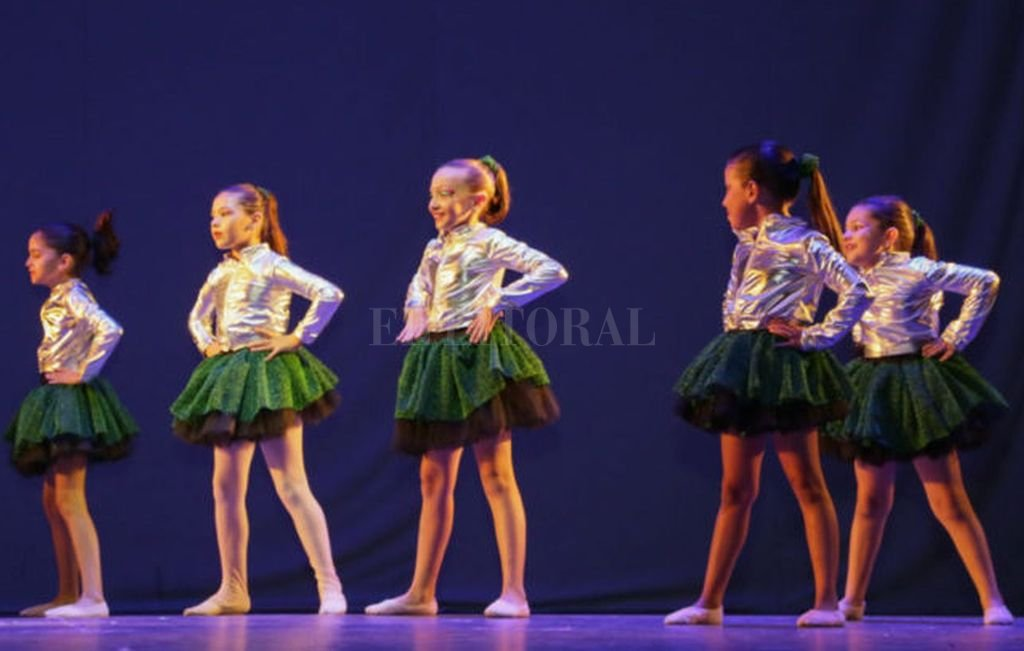 Participarán grupos de danzas españolas, alumnos de teatro, danzas jazz y contemporánea, junto a las más pequeñitas, de iniciación a la danza. <strong>Foto:</strong> Gentileza organizadores