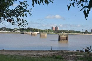 El río Paraná bajó 11 centímetros en tres días y pronostican que seguirá en descenso -