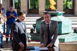 Pablo Javkin es desde hoy el nuevo intendente de Rosario -  -