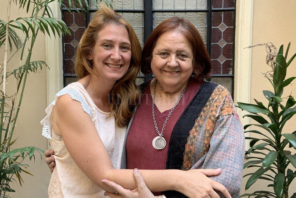 La ministra Chiqui González y Huaira Basaber. Crédito: Gentileza Gobierno de Santa Fe