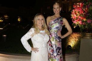 Rubi Rubi en la Gala del Hospital Austral junto a Valeria Mazza -  -