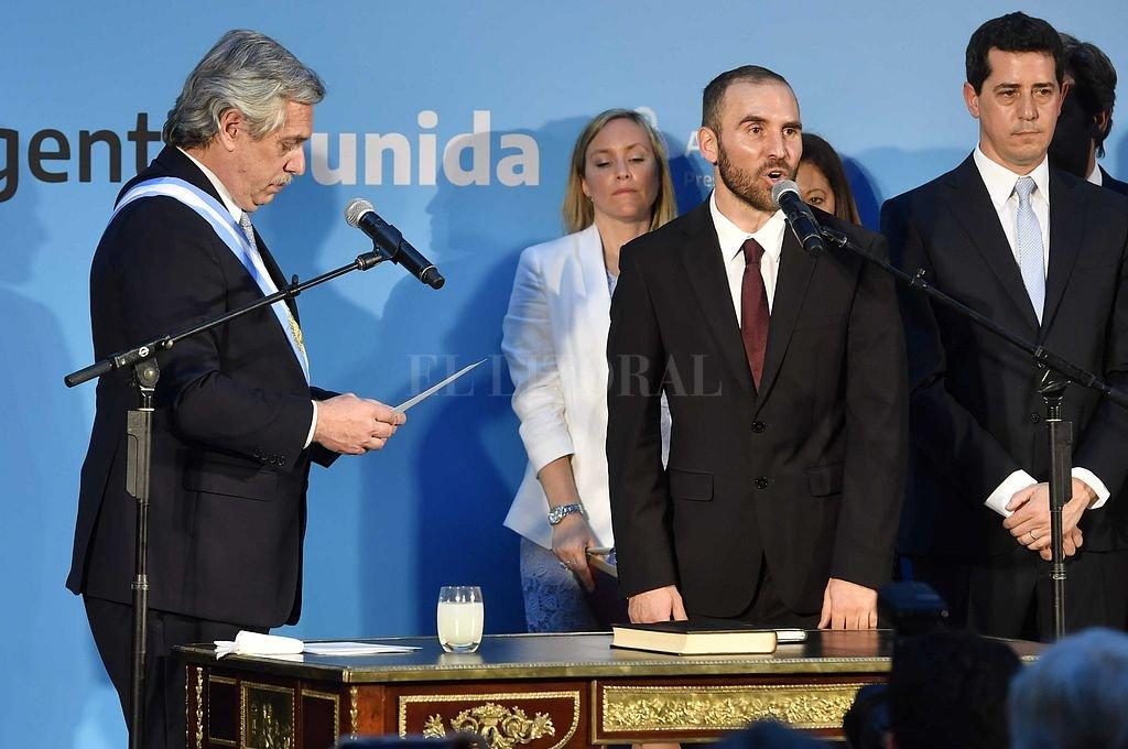 Martín Guzmán durante la jura realizada este martes en el Museo del Bicentenario. <strong>Foto:</strong> Telam