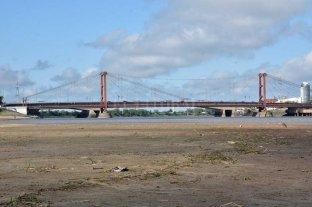 El río Paraná llegó a su altura más baja del año en Santa Fe - El río muestra por estos días su cara más flaca