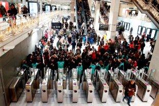 Los sindicatos franceses llaman a intensificar huelga tras propuesta del gobierno sobre jubilaciones