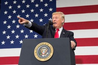 Trump firma decreto sobre antisemitismo que apunta contra críticos de Israel